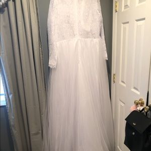 Dresses - 26W Wedding Dress Long Sleeves Lace Wedding Gown